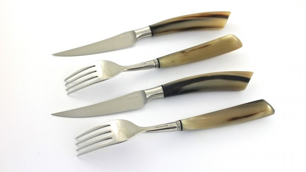 Saladini 2 Steak knives 2 forks horntip set for two person