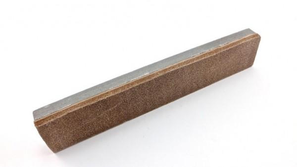 Pierre à aiguiser des Pyrenées natural grindstone with fine grain and honing leather 200 x 35 mm